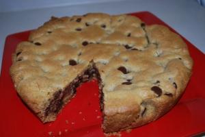 Deep Dish Cookie Cake1
