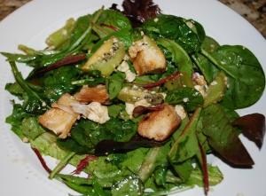 Kiwi, Chicken, and Feta Salad